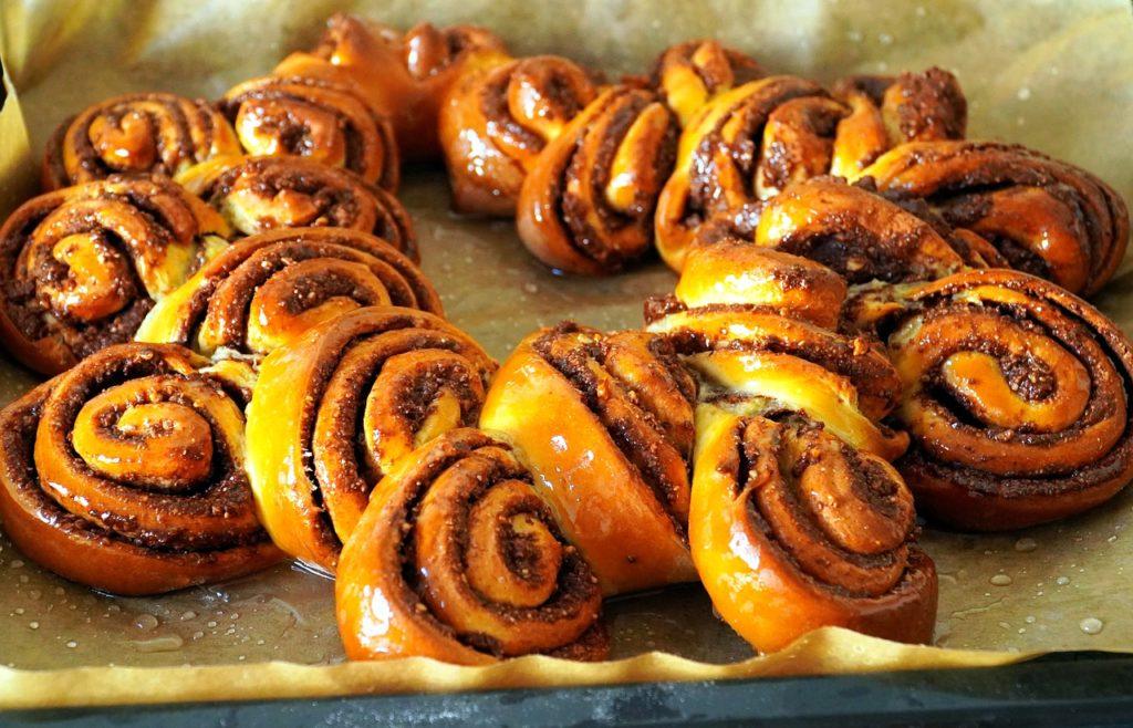 bake, cake, nut wreath
